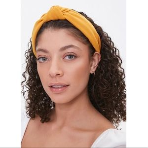 NWT Mustard Knotted Structured Headband